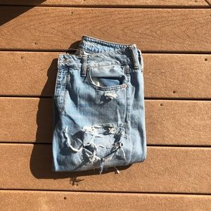 American Eagle extreme distressed Tomgirl jean